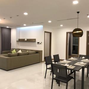 Cho thuê căn hộ Vinhomes Central Park 4 phòng ngủ